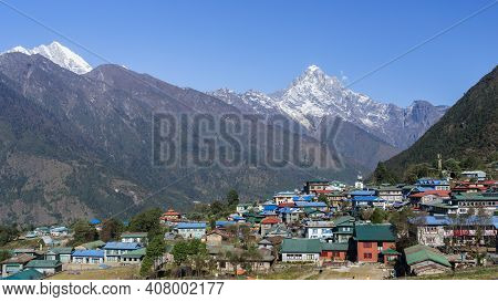 Village In The Mountains, Lukla Village In Nepal, Tenzing-hillary Airport In Lukla, Sagarmatha Natio