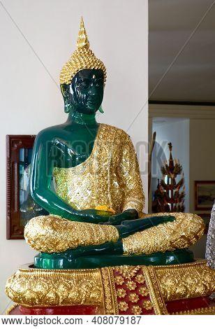 Chiang Mai Province, Thailand - February 18, 2019: Emerald Buddha Statue At Wat Tha Ton (phra Aram L