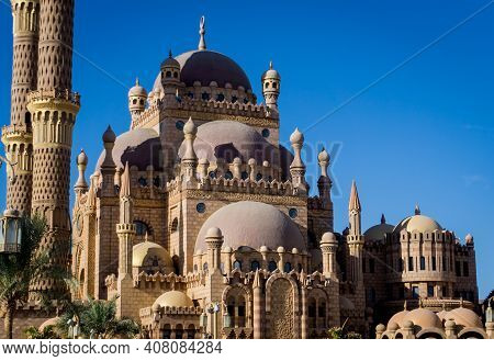 Details Of Large Islamic Mosque. Religion Background