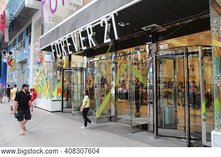 New York, Usa - July 4, 2013: Forever 21 Fashion Store At Times Square, New York. Forever 21 Is An A