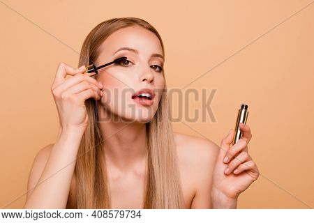 Close Up Photo Attractive Pretty Lady Hold Hand Use Mascara Girlish Cosmetologist Treatment Care Wan