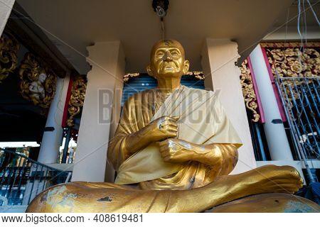 Koh Samui, Thailand - January 10, 2020: Statue Of Gold Buddha At Wat Plai Laem Temple On Koh Samui T