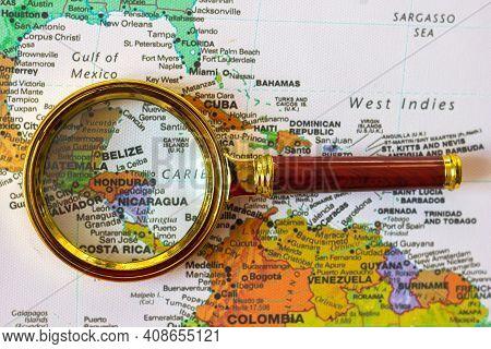 Lviv Ukraine-20 01 2021 : Honduras, El Salvador, Nicaragua,  And Other Countries  On A Map Of  South