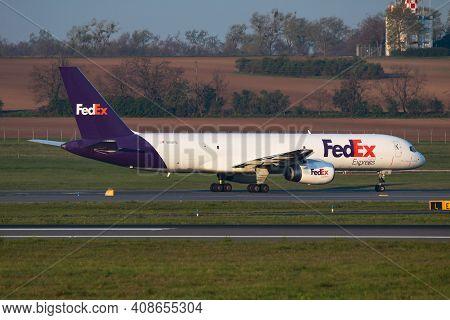 Vienna, Austria - April 18, 2019: Fedex Boeing 757-200 N918fd Cargo Plane Departure And Take Off At
