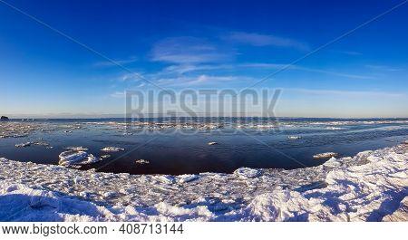 Winter Baltic Sea With Snow And Ice In Riga, Latvia. Baltics In Winter.