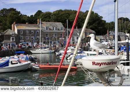 Padstow (england), Uk - August 11, 2015: Padstow's Harbor, Cornwall, United Kingdom.