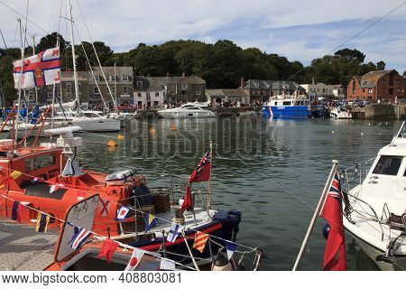 Padstow (england), Uk - August 11, 2015: Padstow's Harbor, Cornwall, United Kingdom., Cornwall, Unit