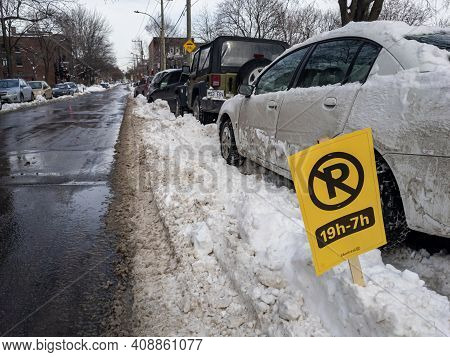 Montreal, Canada - 18 February 2021: Snow-clearing Sign In Montreal After Snowfall