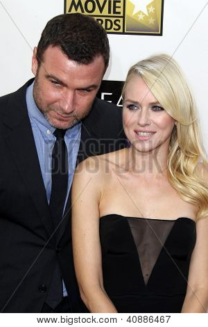LOS ANGELES - JAN 10:  Liev Schreiber, Naomi Watts arrives at the 18th Annual Critics' Choice Movie Awards at Barker Hanger on January 10, 2013 in Santa Monica, CA