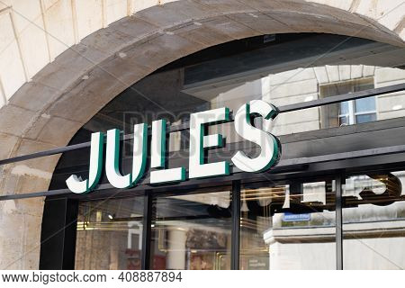 Bordeaux , Aquitaine France - 02 16 2021 : Jules Logo Brand Store Of Retail Sign Text Of Shop Of Fre