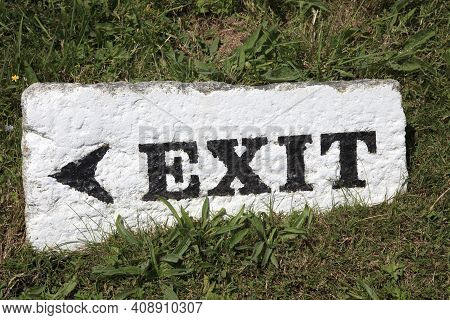 Land\'s End Area (england), Uk - August 16, 2015: Land\'s End Exit Sign, Cornwall, England, United K