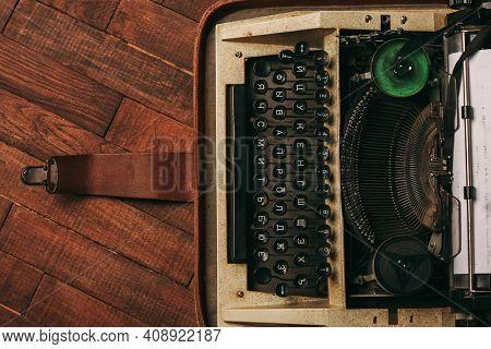 Typewriter Retro Style Nostalgia Journalist Old Technology
