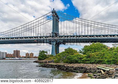Manhattan Bridge Over East River Brooklyn Historical Society Dumbo And Waterfront Condominium Manhat