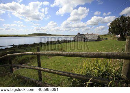 Bodmin Moor (england), Uk - August 18, 2015: Dozmary Pool On Bodmin Moor In Cornwall Where Legend Ha