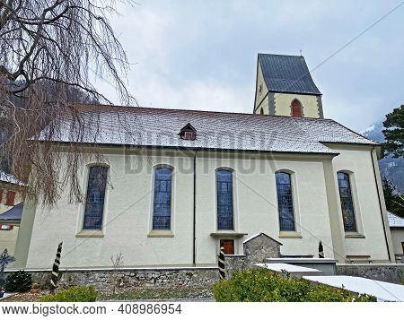 Roman Catholic Church Of St. Martin Or Römisch-katholische Kirche St. Martin (fli-kirche), Wessen -