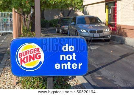Sacramento, Usa - September 13: Burger King Drive Through On September 13, 2013 In Sacramento, Calif