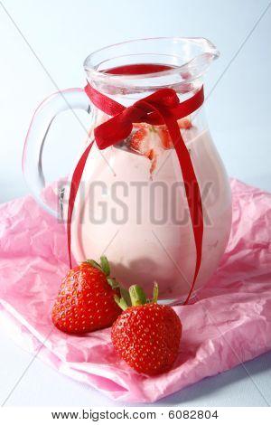 Strawberry yogurth