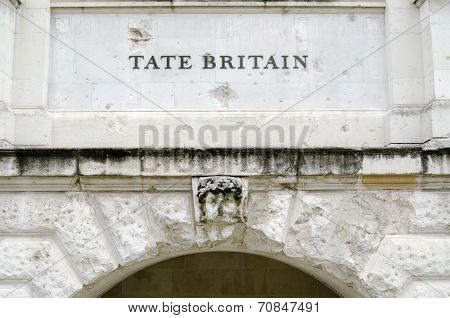 Tate Britain Entrance sign