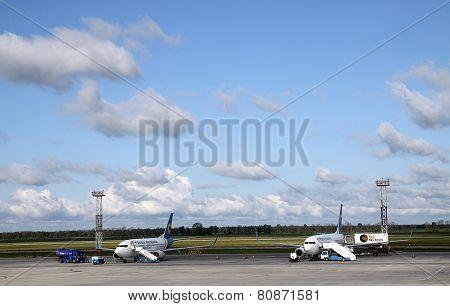 Preflight Service Of Passenger Aircraft
