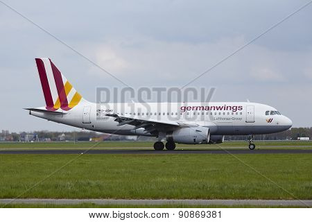 Amsterdam Airport Schiphol - Airbus A319 Of Germanwings Lands