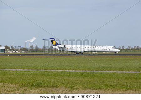 Amsterdam Airport Schiphol - Canadair Crj-900 Of Lufthansa Cityline Lands