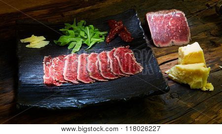 Sliced meat boiled in low temperaturee, followed by roasting