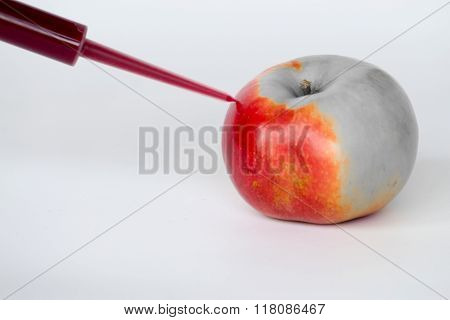 Coloring Apples