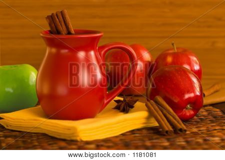 Cinnamon Spiced Apple Cider -Spiced Wine And Red And Green Appl