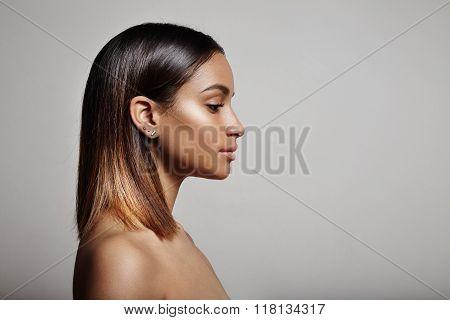 Woman;s Perfil, Straight Hair