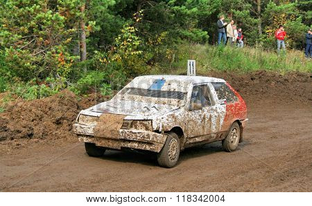 ZLATOUST, RUSSIA - SEPTEMBER 26: Buggy (No. 11) of team E1 during annual auto cross racing Championship of Chelyabinsk region on September 26, 2009 in Zlatoust, Chelyabinsk region, Russia.