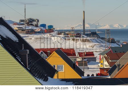 Longyearbyen, Spitsbergen (svalbard). The View Through The Houses.