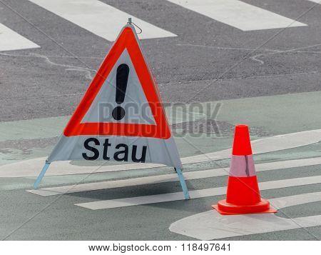 congestion warning on road
