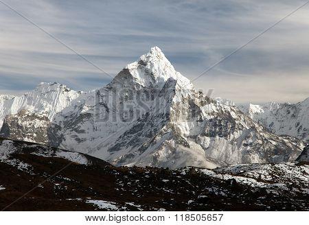 Mount Ama Dablam With Beautiful Sky