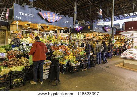 People And Shops In Sant Josep De La Boqueria Market