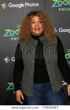 LOS ANGELES - FEB 17:  Kym Whitley at the Zootopia Premiere at the El Capitan Theater on February 17, 2016 in Los Angeles, CA