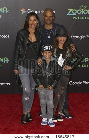 LOS ANGELES - FEB 17:  Salli Richardson Whitfield, Dondre Whitfield, Parker Whitfield, Dre Whitfield at the Zootopia Premiere at the El Capitan Theater on February 17, 2016 in Los Angeles, CA