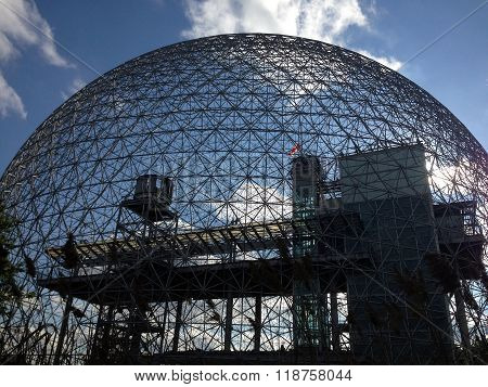 The Biosphere, a structure designed by R Buckminster Fuller in 1967, boasts itself as the only museum in North America dedicated to the environment, with themes related to meteorology, climate, water and air quality.