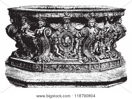 Well of the Doge's Palace in Venice, by Nicolo Conti, vintage engraved illustration. Magasin Pittoresque 1878.