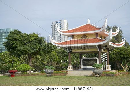 Gazebo Pagoda with a quote from the writings of Ho Chi Minh. Pantheon Ho Chi Minh City to Vung Tau,