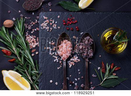 Black and Pink Himalayan salt