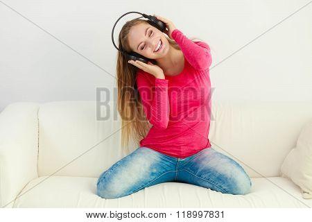 Beauty Happy Female Listen Sound.