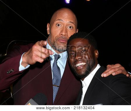 LOS ANGELES - DEC 11:  Dwayne Johnson, Kevin Hart at the
