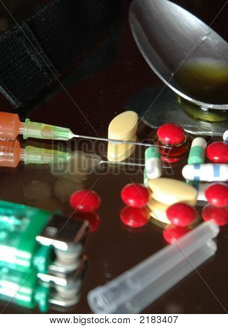 Pillsand Syringe