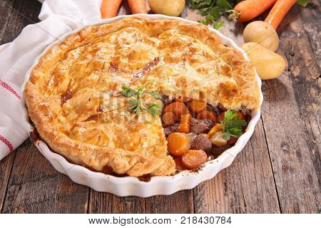 meat pie with vegetable