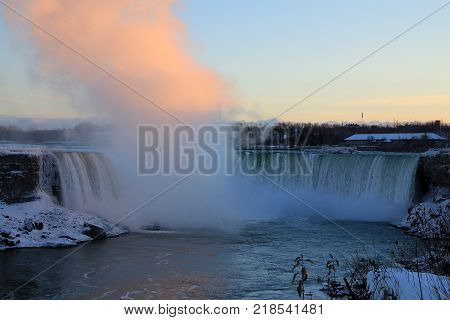 Niagara Fall `horse Shoe`` At Canada Side At Winter