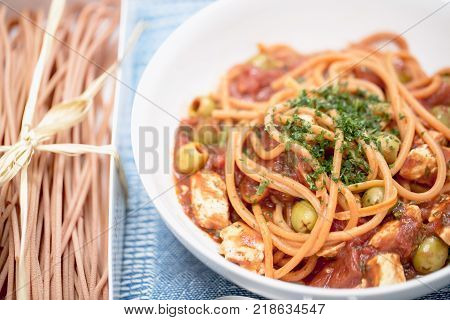 Spaghetti Al Peperoncino With Chicken Breast Tomatoes And Olives