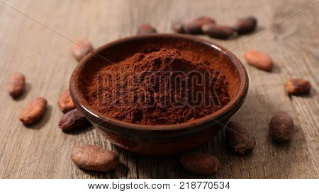 cocoa powder with cocoa bean