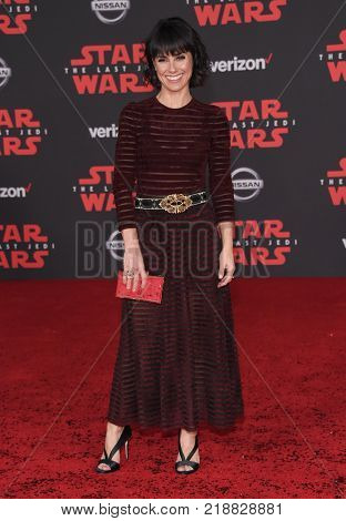 LOS ANGELES - DEC 09:  Constance Zimmer arrives for the 'Star Wars: The Last Jedi' World Premiere on December 09, 2017 in Los Angeles, CA