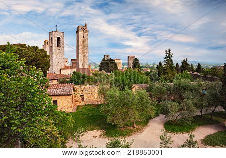 San Gimignano, Siena, Tuscany, Italy: landscape of the medieval town and his ancient towers and garden