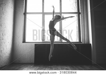 Plasticity Slim Woman Dancing Near Window. Professional Dancer Enjoy Dance. Lady Dancer Training Mod